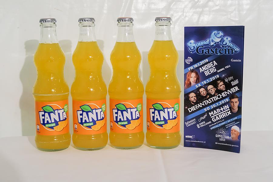 Vier Flaschen Fanta